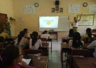 Romy teaching class Bali